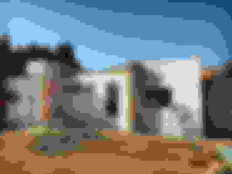 Detached home by Territorio Arquitectura y Construccion - La Serena