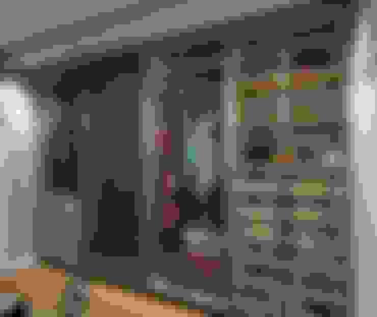 غرفة الملابس تنفيذ Rebeka Ferle Maske