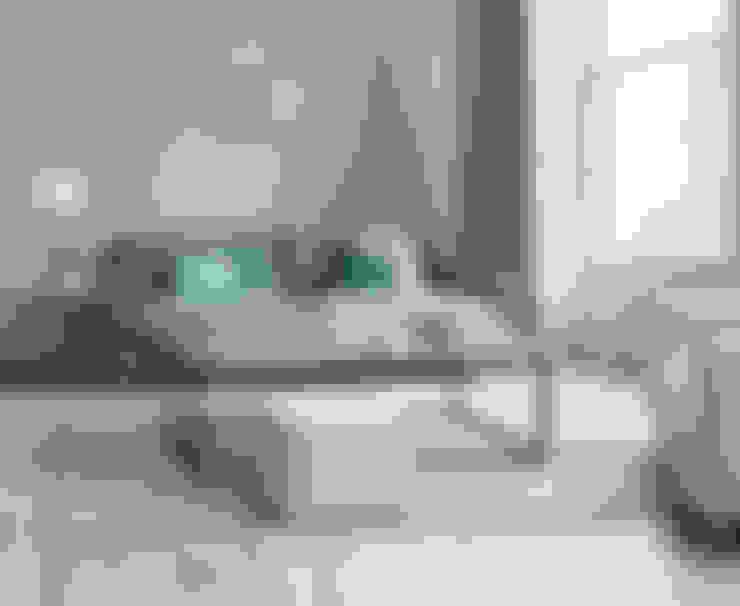 Slim Jim sofa:  Living room by Loaf