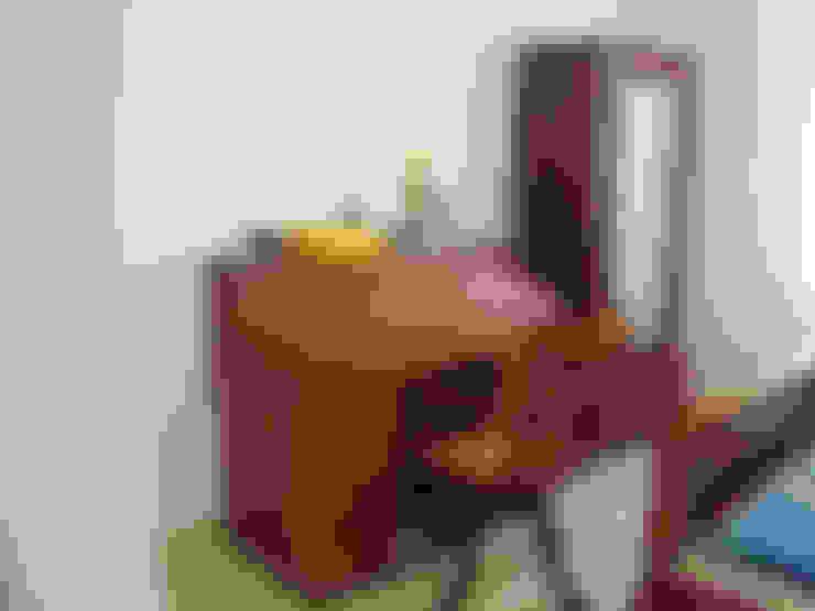 Oficinas de estilo  por Inshows Displays Private Limited