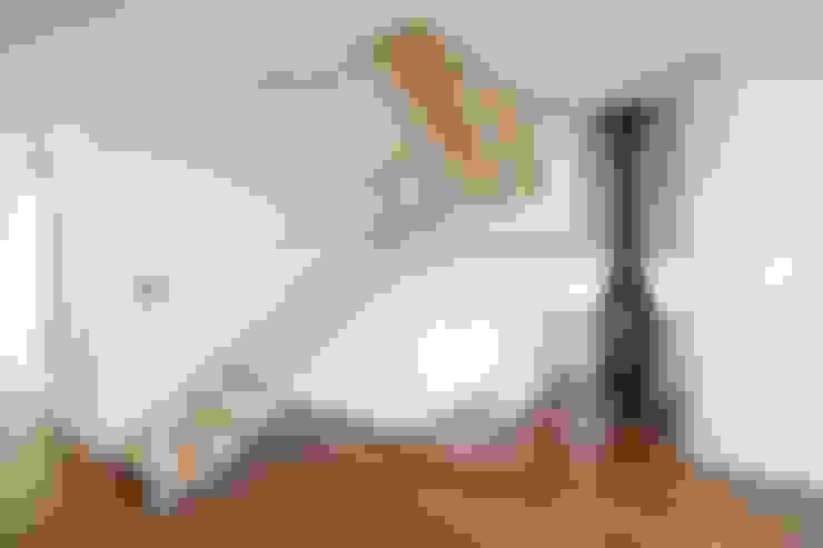 Stairs by 인문학적인집짓기