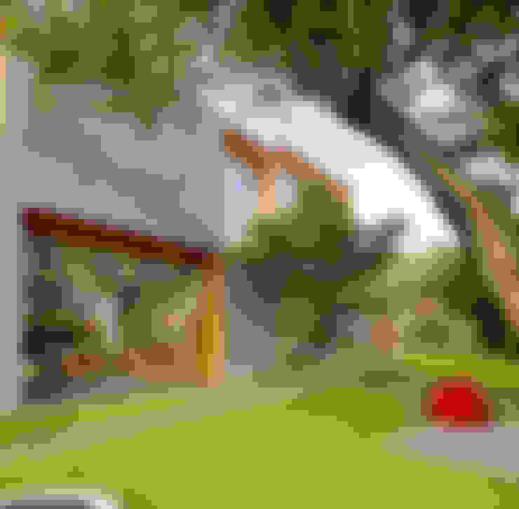 Casas de estilo  por Tamara Wibowo Architects