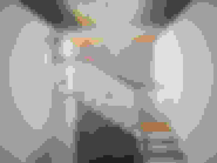 Tư Vấn Thiết Kế Nhà Phố 4 Tầng Có Sân Trước, Sân Sau Ở Quận 12:  Giếng trời by Công ty TNHH Xây Dựng TM – DV Song Phát