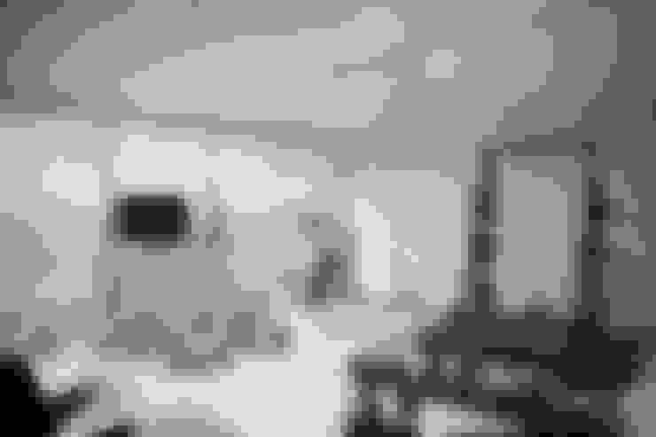 Gimnasios en casa de estilo  por 홍예디자인