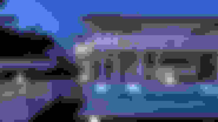 Houses by Pacheco & Asociados