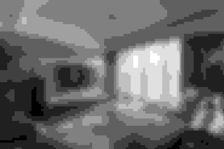 {遠景*領袖}:  客廳 by 鼎士達室內裝修企劃