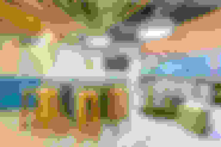 Zona de relajacion : Oficinas y Tiendas de estilo  por Aluzina
