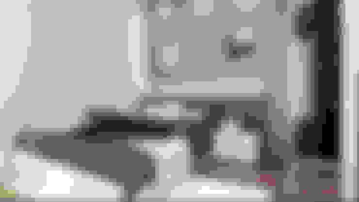 BEDROOM:  Bedroom by Enrich Artlife & Interior Design Sdn Bhd