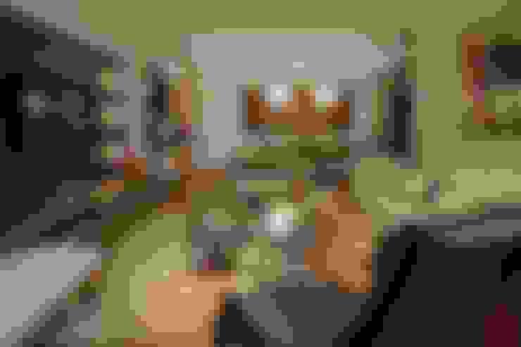Living room by Rosane França Arquitetura
