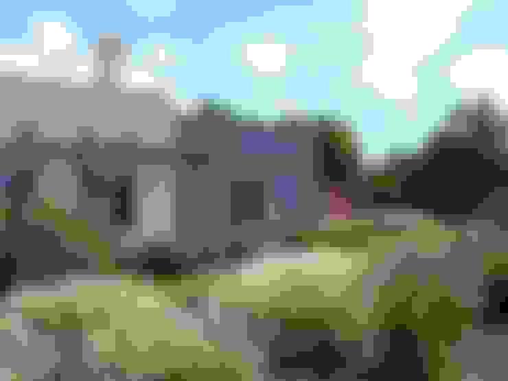 CASA MEJICANA MODERNA EN CENTAUROS C.C.: Casas de estilo  por Estudio Dillon Terzaghi Arquitectura - Pilar