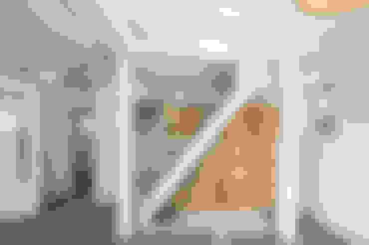 배다리주택 '오붓': AAPA건축사사무소의  계단