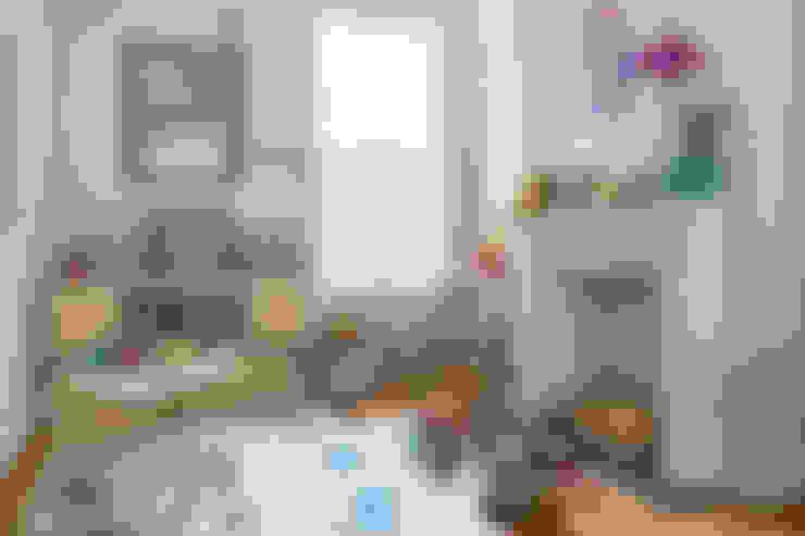 Nursery/kid's room by VORBILD Architecture Ltd.