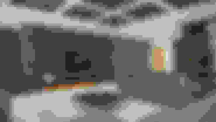 Subang Parkhomes:  Living room by Yucas Design & Build Sdn. Bhd.