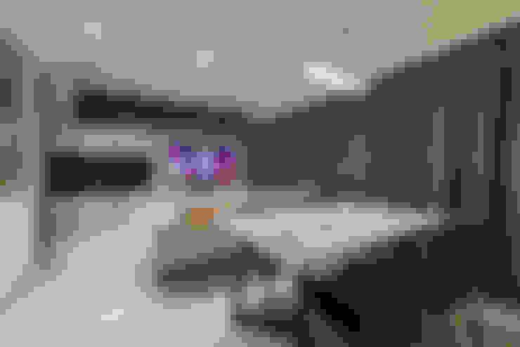 Comedores de estilo  por VOILÀ Pte Ltd