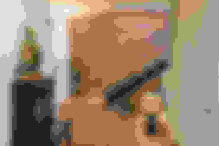 Escaleras de estilo  por CONSOLIDACIONES Y CONTRATAS S.L