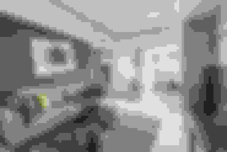 Salones de estilo  de 寬宸室內設計有限公司