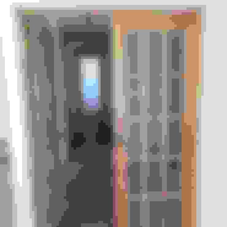 CASA ANA THEZA: Puertas de estilo  por VASGO