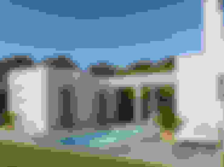 Single family home by Pacheco & Asociados