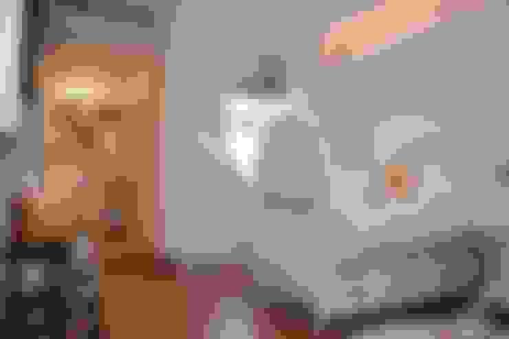 Quarto de Bebê: Quartos de bebê  por ANDREA PINTO DE ALMEIDA ARQUITETURA E CONSTRUÇÃO