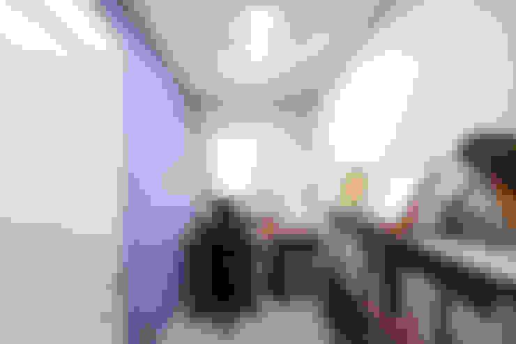 Phòng học/Văn phòng by 코원하우스