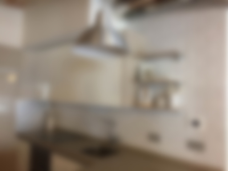 مطبخ تنفيذ Interiorismo Cemar Constructores en Alicante
