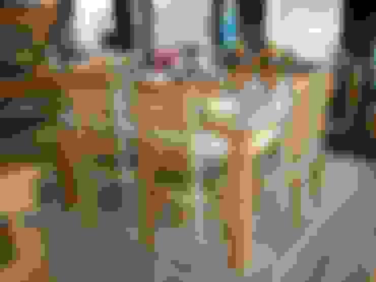 Linda Área Gourmet Rústica: Sala de jantar  por Barrocarte
