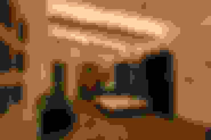 Dormitorios de estilo  por SPACCE INTERIORS