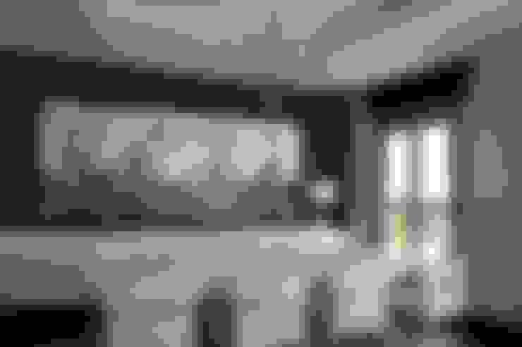 غرفة السفرة تنفيذ Qum estudio, tienda de muebles y accesorios en Andalucía