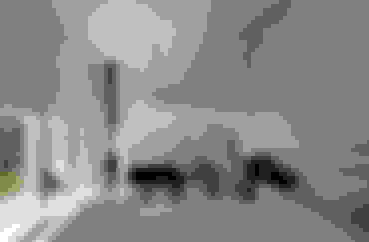 八ヶ岳の離れ: 稲山貴則 建築設計事務所が手掛けた階段です。