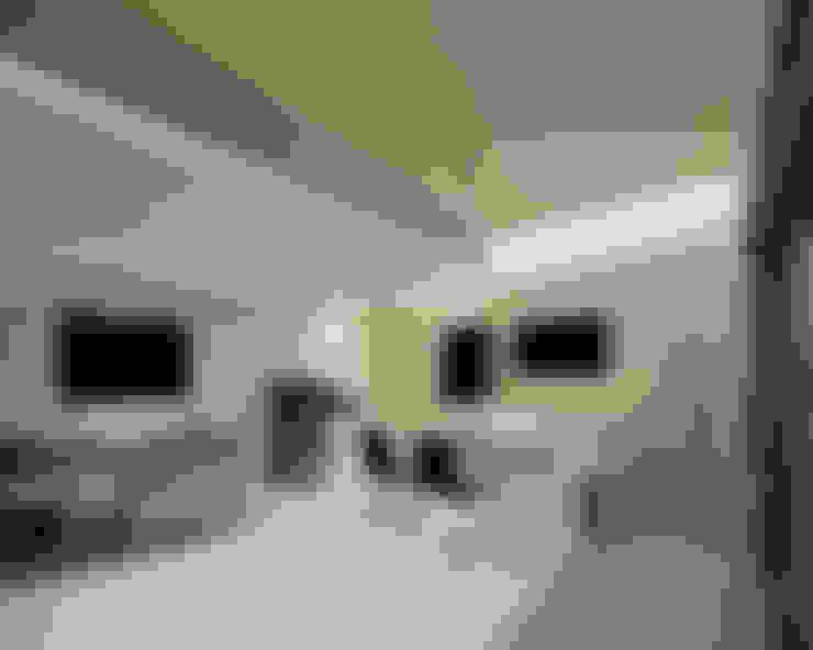 Dining room by 稲山貴則 建築設計事務所