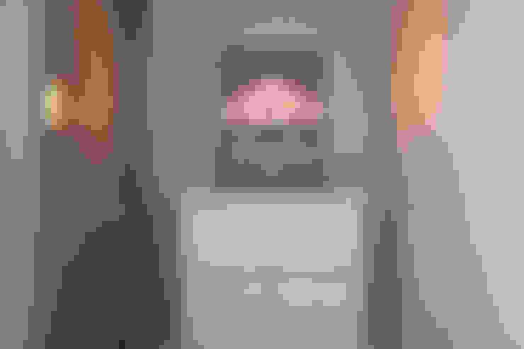 Ingresso & Corridoio in stile  di 디자인담다
