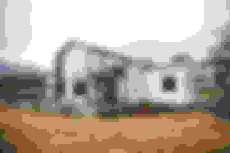 제천전원주택: 8sky design의  전원 주택