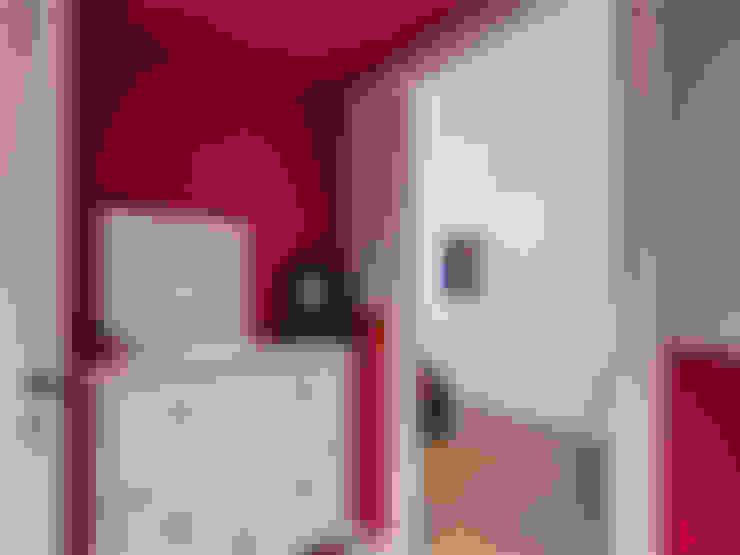 Corridor & hallway by MOB ARCHITECTS
