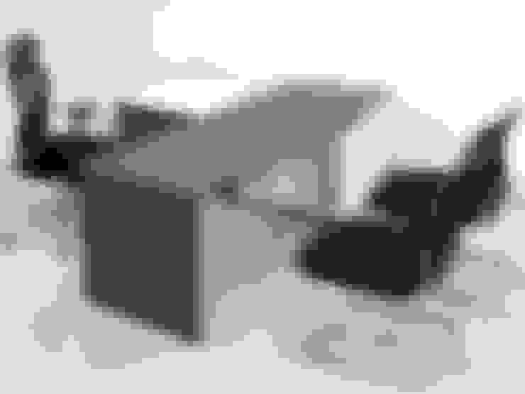 Study/office by MARSHEL DUART SRL