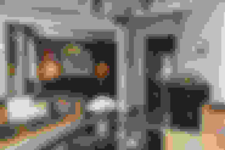 Living room by LUCIA PARGA INTERIORISTA