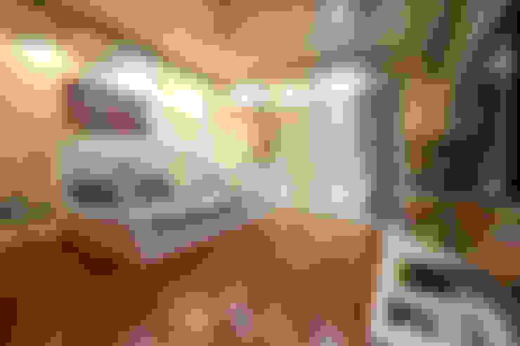 Bedroom by Woodofa Lifestyle Pvt. Ltd.