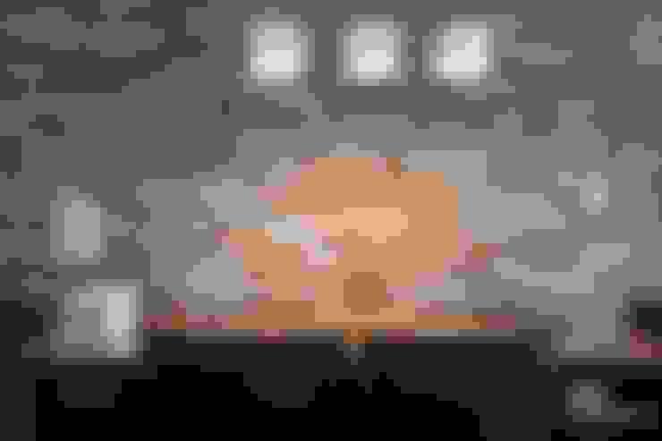 Sala da pranzo in stile  di 디자인담다