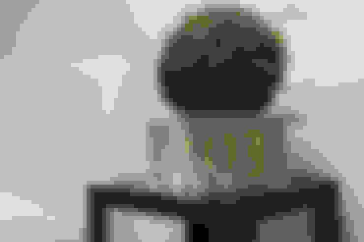 """""""Vacanze Romane"""" appartamento Short Rents: Arte in stile  di Creattiva Home ReDesigner  - Consulente d'immagine immobiliare"""