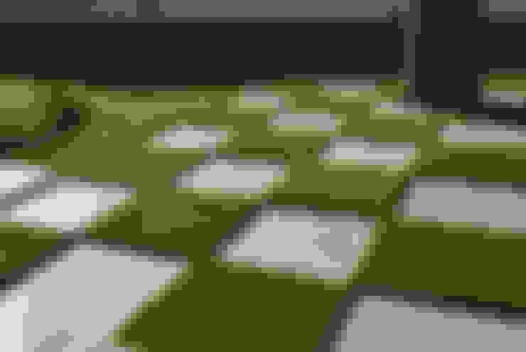 Césped  artificial como mejor solución: Jardines de estilo  de Albergrass césped tecnológico