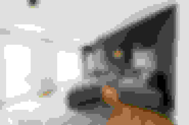 Вітальня by hysenbergh GmbH | Raumkonzepte Duesseldorf