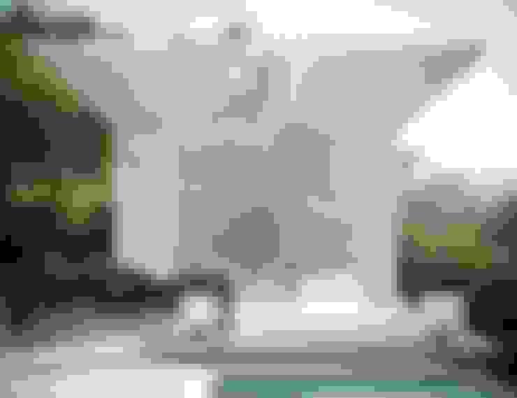 Piscinas de jardín de estilo  por TABARQ