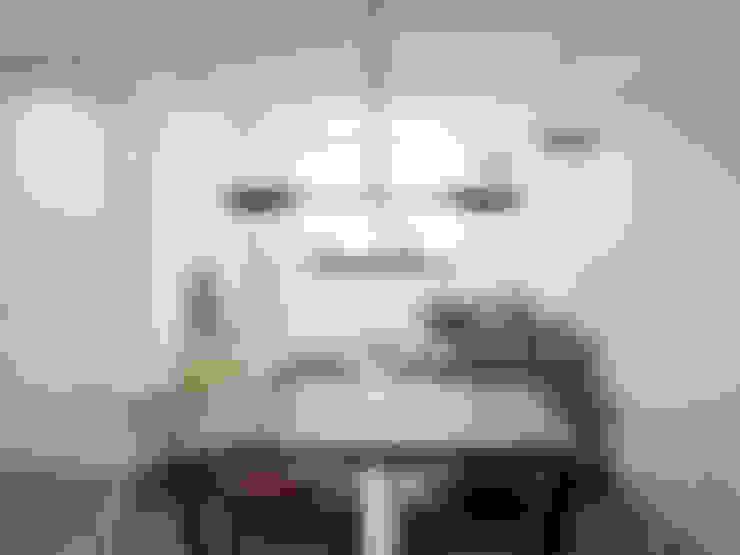 Salas / recibidores de estilo  por Alma Braguesa Furniture