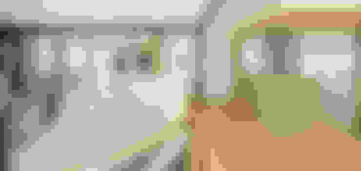 Corridor & hallway by  何侯設計   Ho + Hou Studio Architects