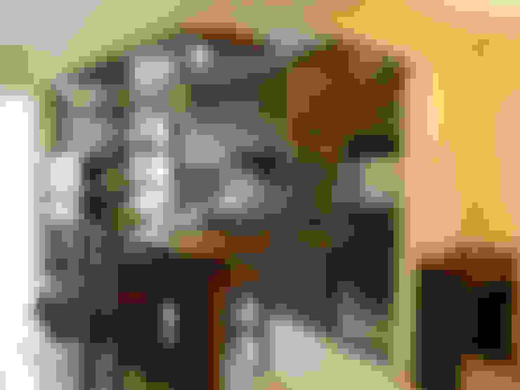 DEEPAK APT,PEDDER ROAD, MUMBAI:  Built-in kitchens by Aesthos Interior Design and Consultancy