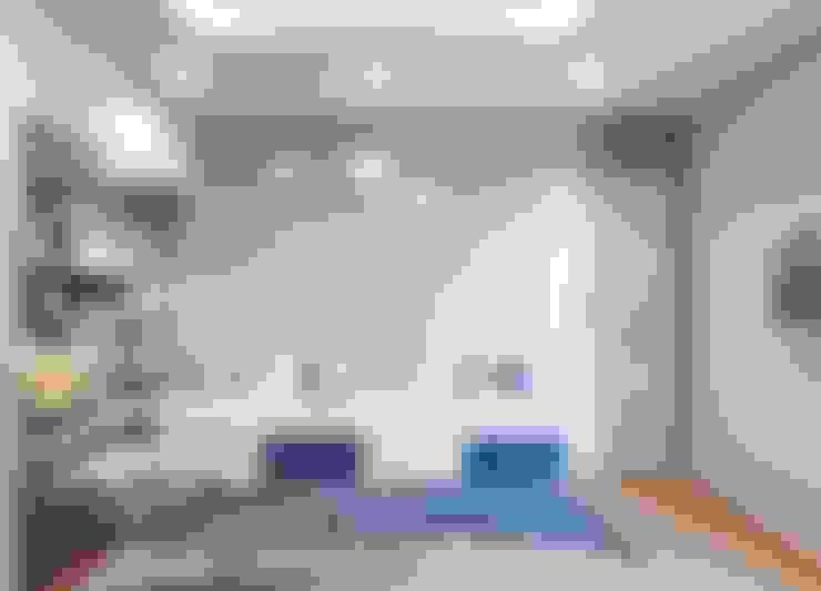 Phòng ngủ nhỏ được trang trí khá tinh tế:  Phòng ngủ nhỏ by Công ty TNHH Nội Thất Mạnh Hệ