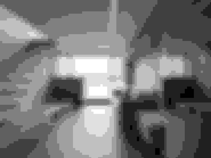 光透:  客廳 by 形構設計 Morpho-Design