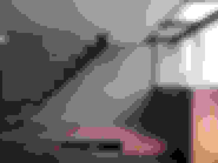 光透:  樓梯 by 形構設計 Morpho-Design