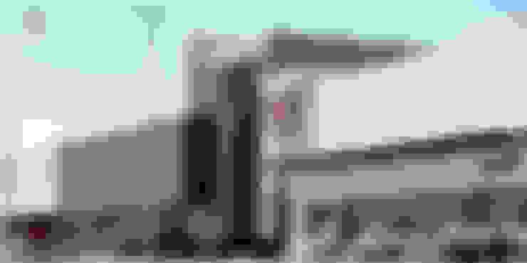 Segundo acceso: Centros Comerciales de estilo  por Helicoide Estudio de Arquitectura
