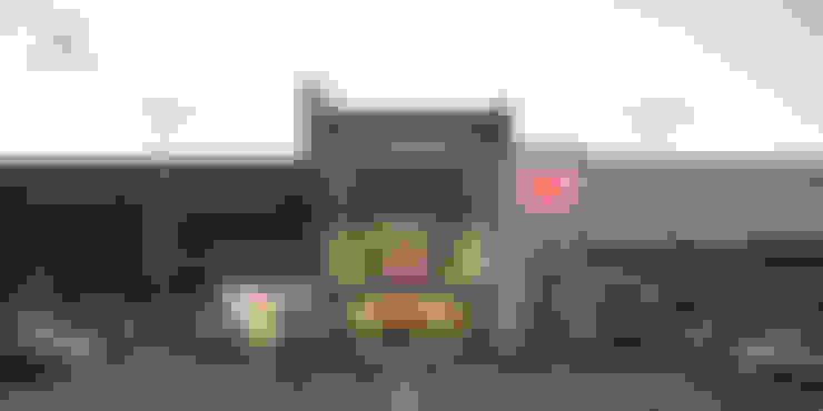 Acceso principal al atardecer: Centros Comerciales de estilo  por Helicoide Estudio de Arquitectura