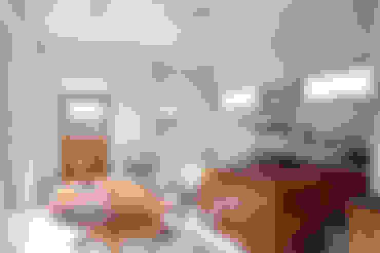 Ruang Keluarga by AAPA건축사사무소